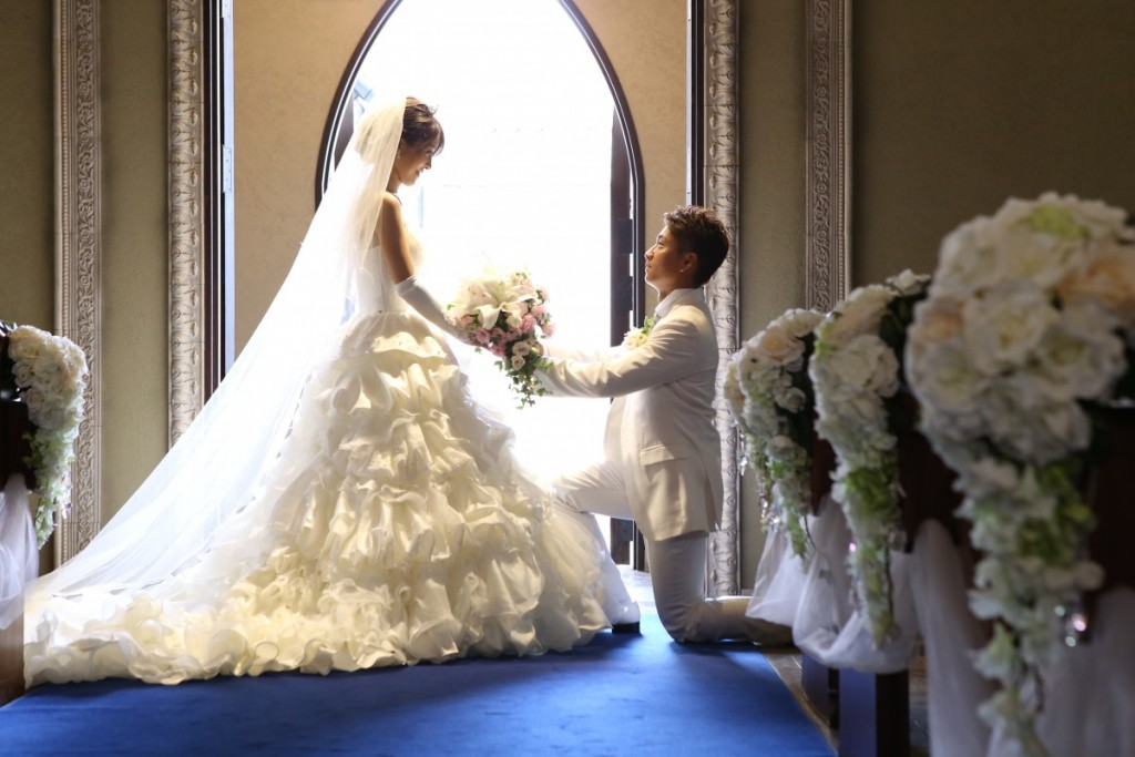 人気の大聖堂でタキシード&ドレスでお写真だけでもいかがですか? <br /> 新作のタキシードやブランドドレスも!お二人にぴったりの一着を見つけてください♪